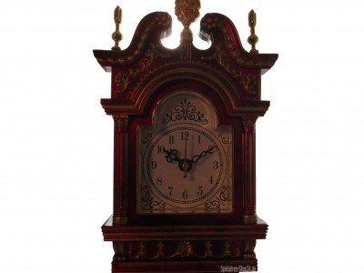 Standuhr mit Uhr und Spieluhr