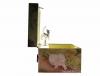 Spieluhr Hunde- und Katzenwelpen, Ansicht Seite auf drehende Figur Kätzchen, Spieldose geöffnet