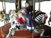 Karussell dreistöckig mit Licht, Spiegelsäule, Bewegung, 50 Melodien, Zebra mit Fahrgast