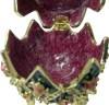 Blumendesign Schmuckei im Stil Fabergès mit Spieluhr, der gezackte Rand mittig zum Öffnen